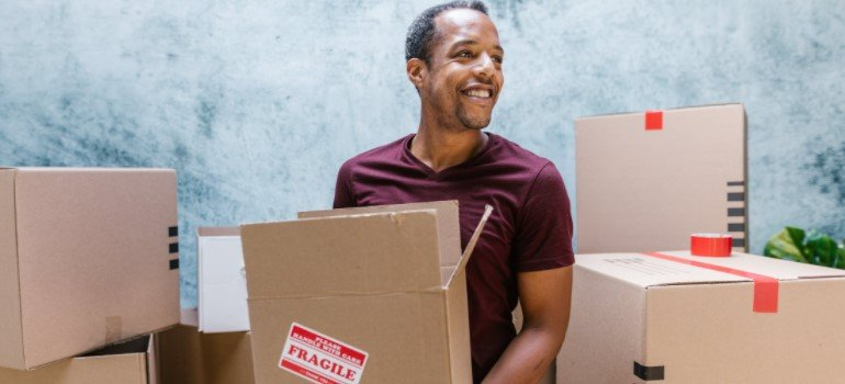 Packing and labelling as an importance when moving from the suburbs to the city
