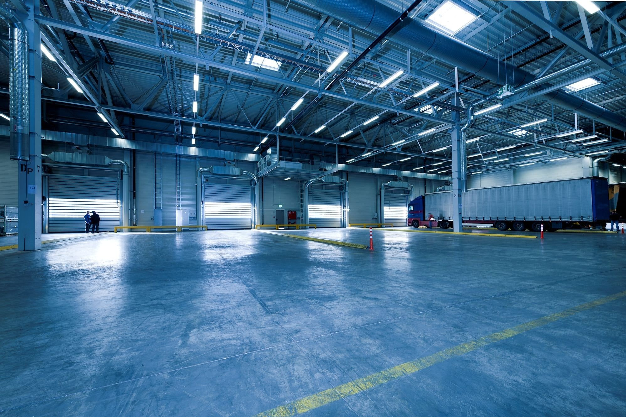 An empty and clean storage unit. To keep it that way, you need to prevent moisture in your storage unit.
