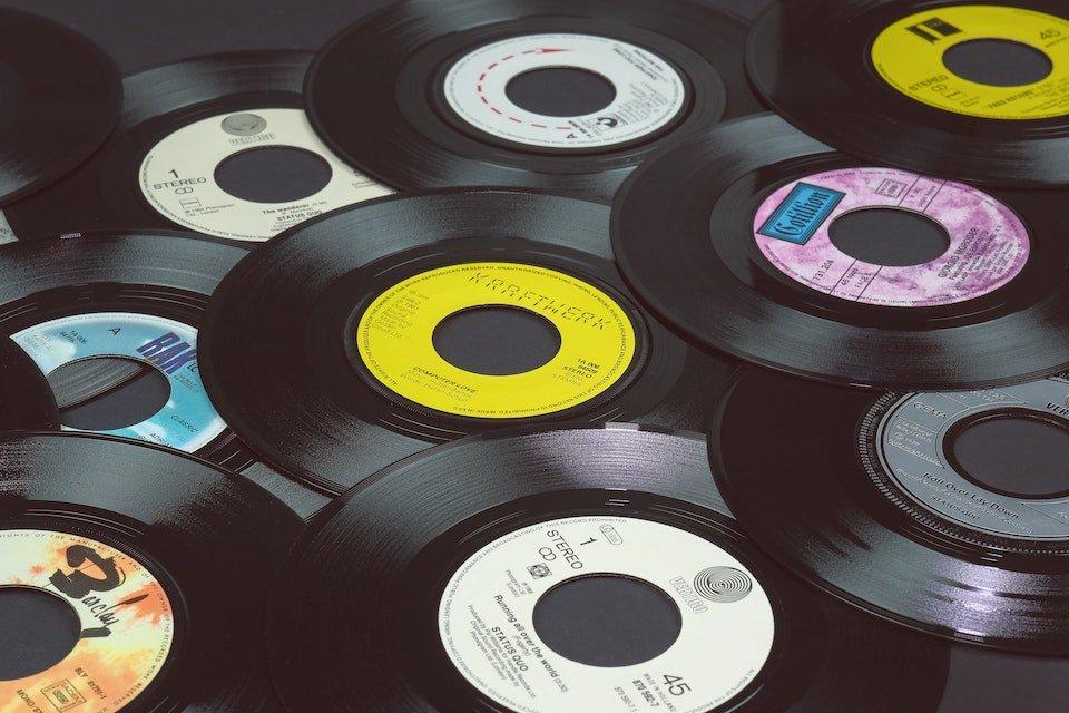 Tips for storing vinyl records
