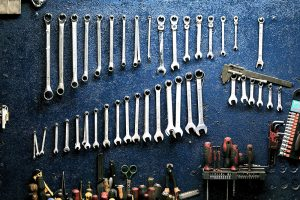 A nicely arranged set of wrenches