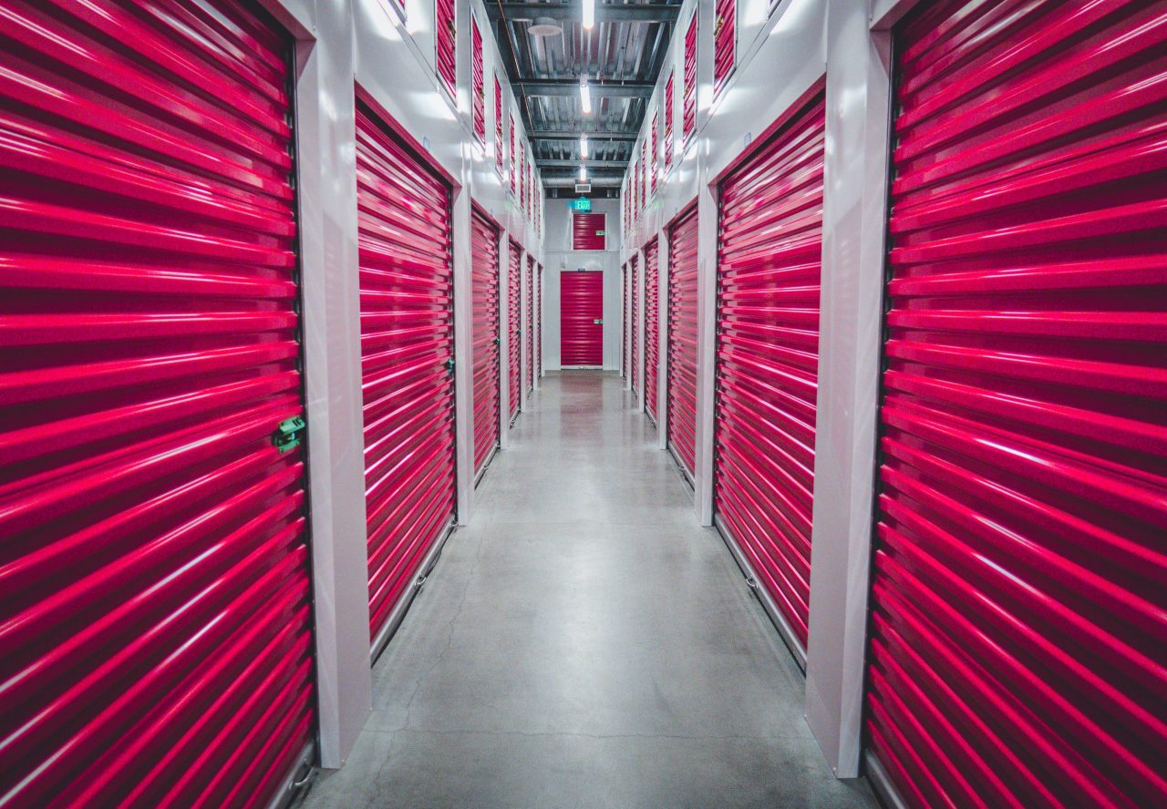 What are the traits of reliable storage facilities