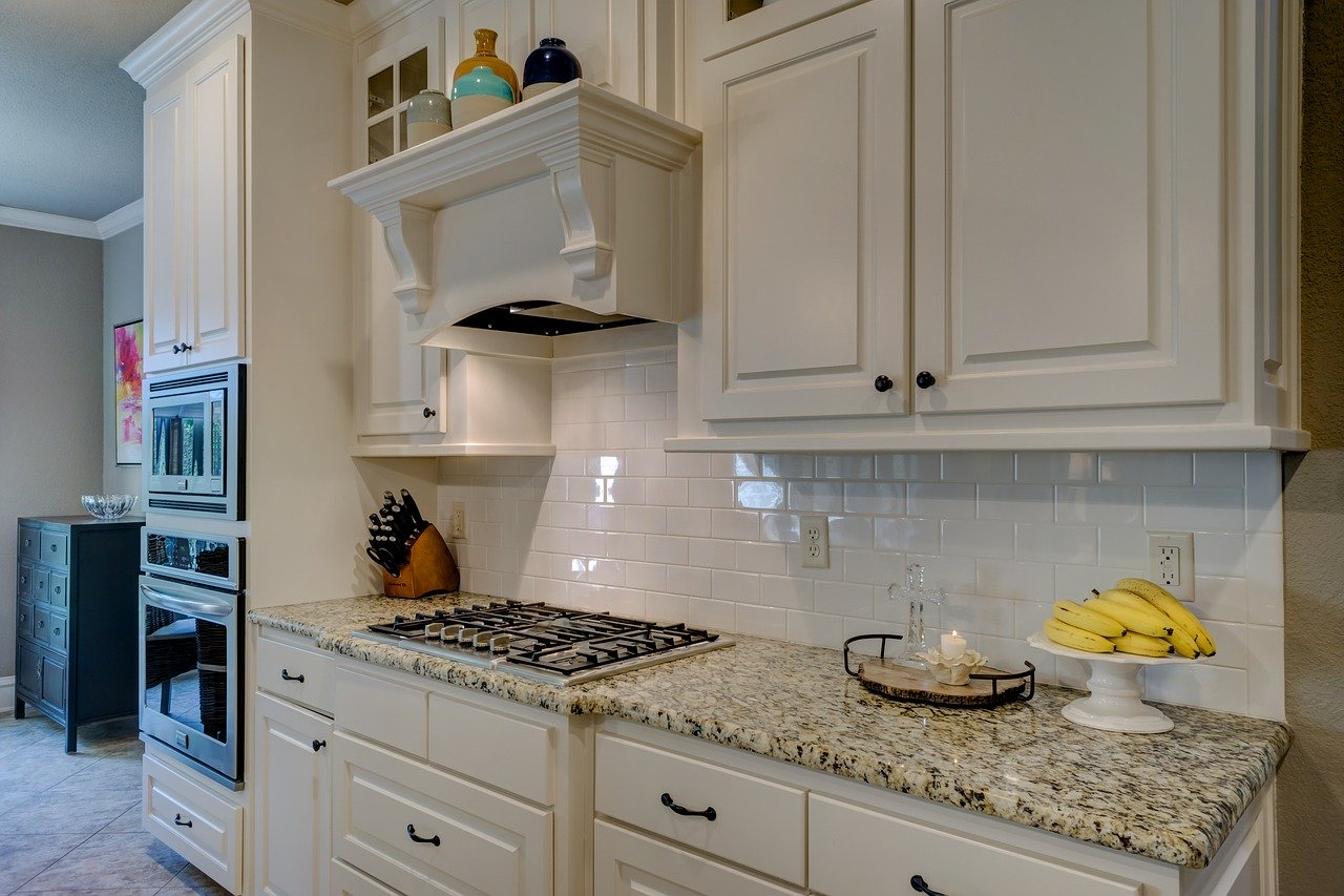 How to pack your kitchen cabinets like a pro