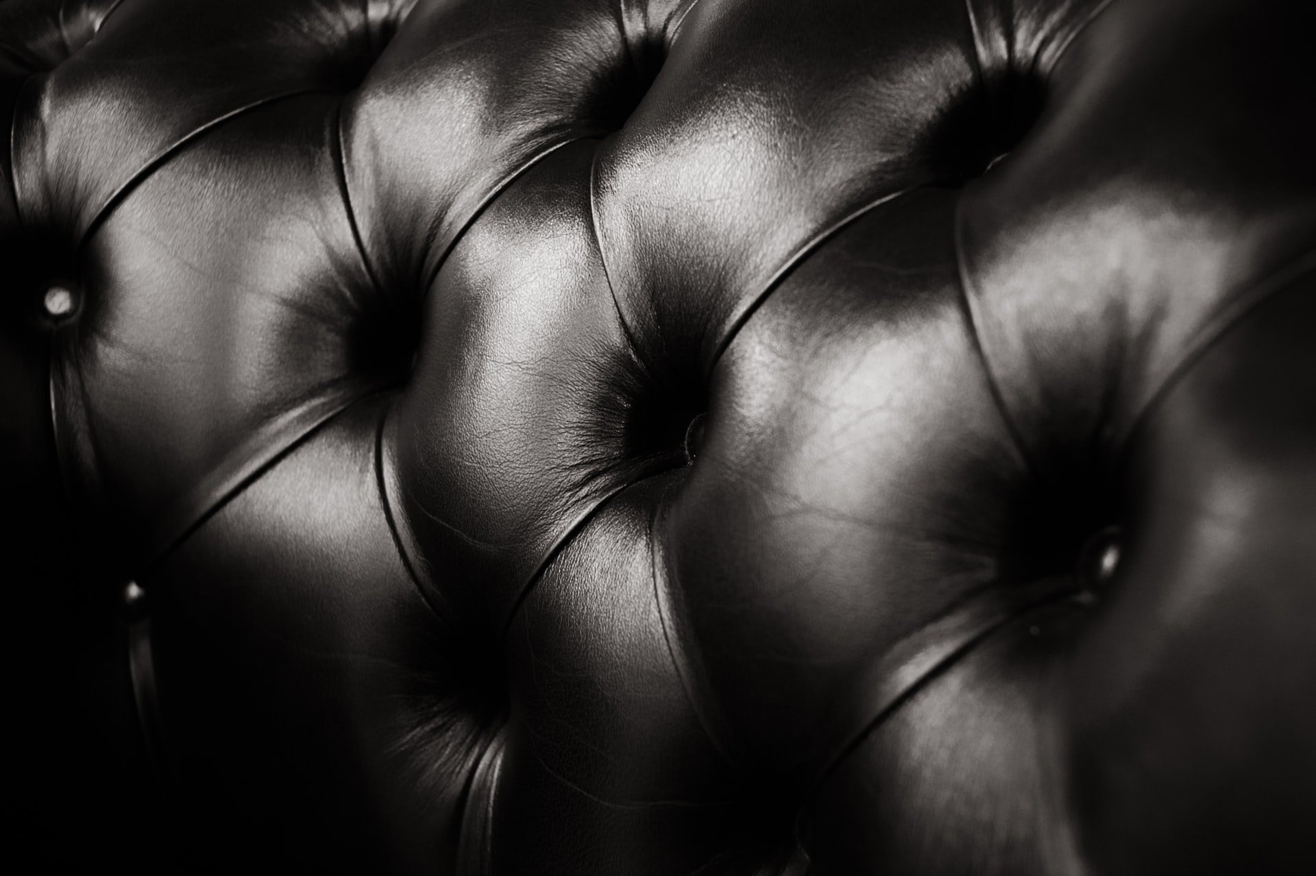 Packing leather furniture