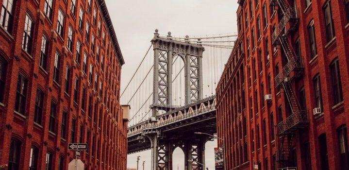 Brooklyn bridge, representing moving tips for Brooklyn students