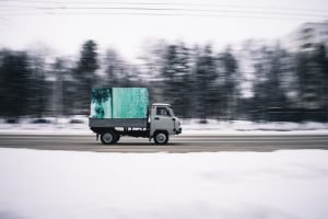 moving truck on the road - downsides of moving by yourself