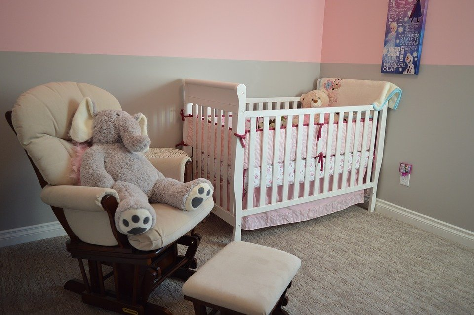 How to Pack a Bedroom Nursery