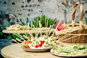 Lot's of food for lot's of guests. A definite go to!