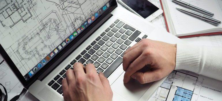 Creating a floorplan on a laptop