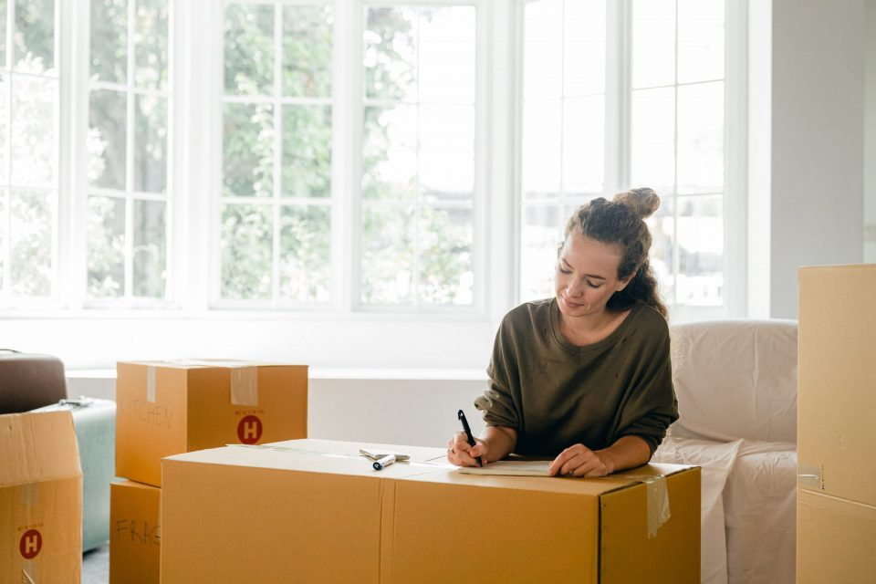 hire a professional moving company when moving from Brooklyn to Westchester