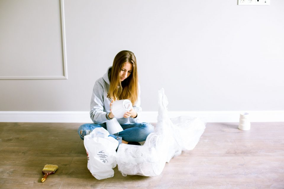 Hire a professional moving company if you are moving from Hong Kong to Brooklyn.