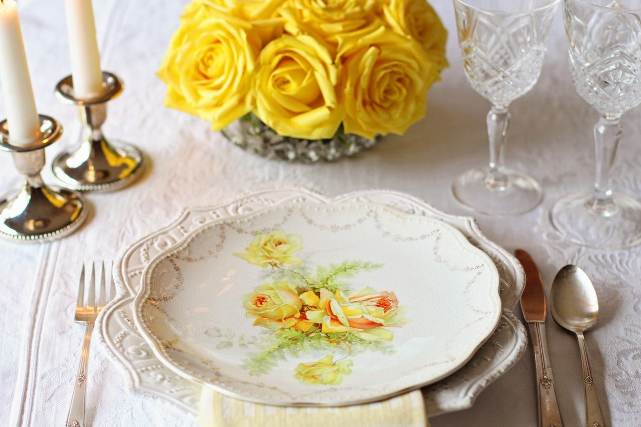 How to pack fine china for storage