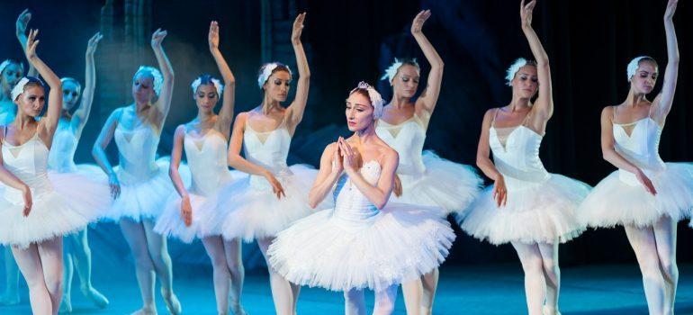 ballerinas in Brooklyn theatre