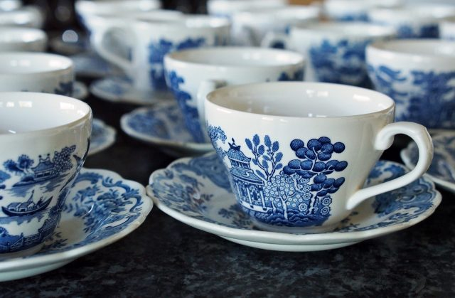 Tips for storing porcelain items